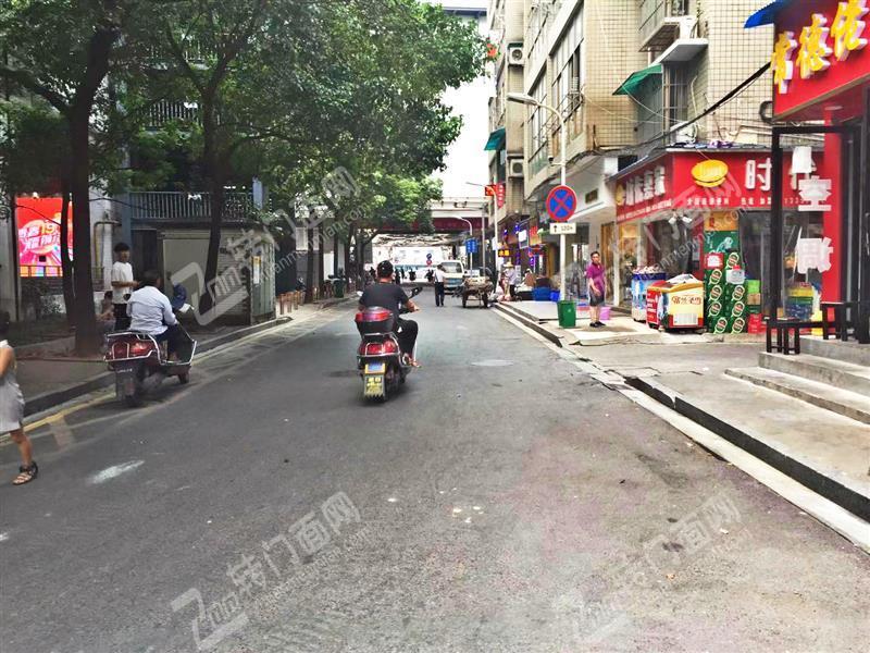 急转可空转五一广场商圈30平米临街旺铺